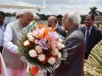 Shri M. Hamid Ansari, Hon'ble Vice President of India being bid farewell by the Governor of Karnataka, Shri Vajubhai Vala, in Bengaluru on August 06, 2017.